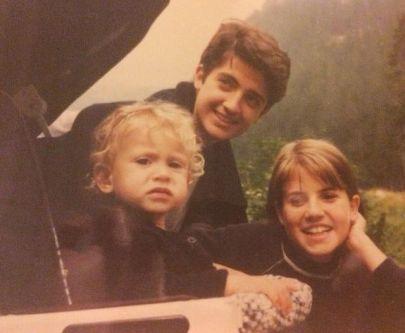 Andrea Bassani a 16 anni con le sorelle Michela e Martina