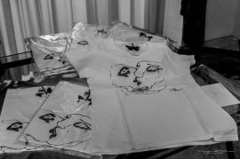 """T-Shirt """"Il bacio dell'anima"""" di Andrea Bassani"""