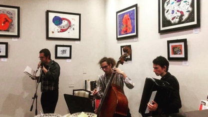Andrea Bassani con Riccardo Landi (fisarmonica) e Giulio Barsotti (contrabbasso)